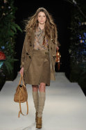 Are you a fox or a rabbit? Or: the dog as the new it-accessory – Mulberry AW2011, London FW