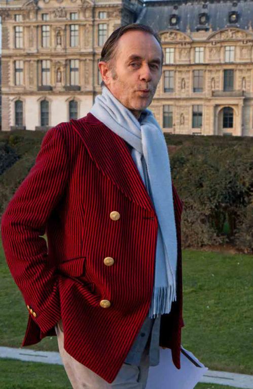 Vincent wears Jacket: Vivienne Westwood, Foulard: Vintage Chanel