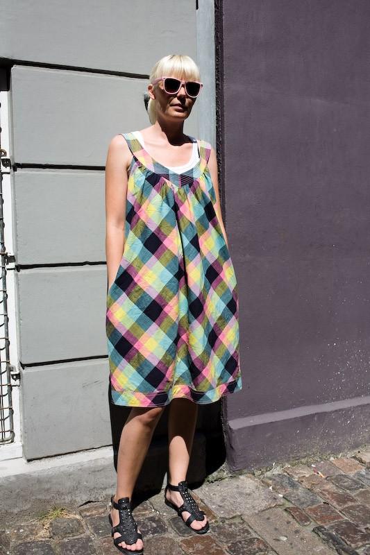 080728-summer-dress-contrast-copenhagen-krystalgade