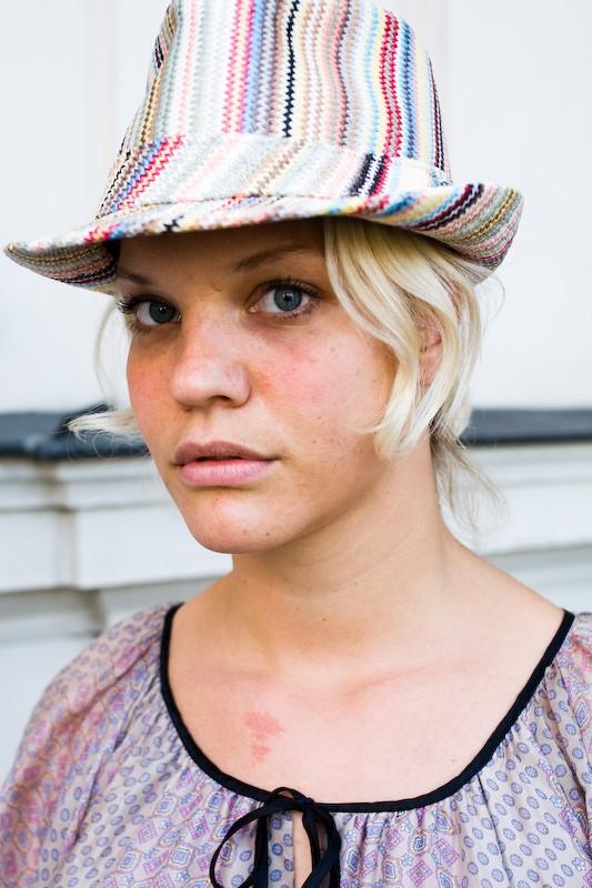 080816-girls-hats-munich-copenhagen-5