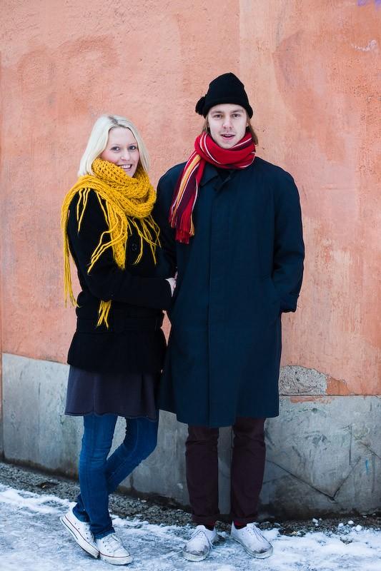 081122-colorful-couple-stockholm-bondegatan
