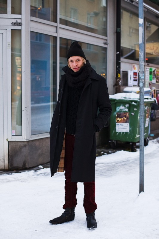 081122-black-coat-stockholm-soedermalm-1
