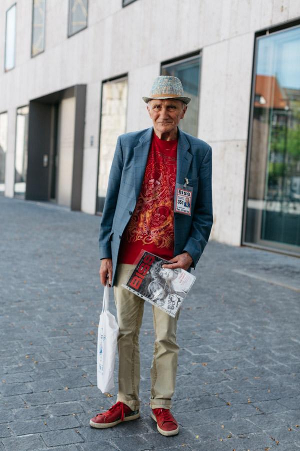 Tibor Street Magazine Seller Munich-5494